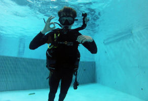Discover Scuba Diving in the Pool 2